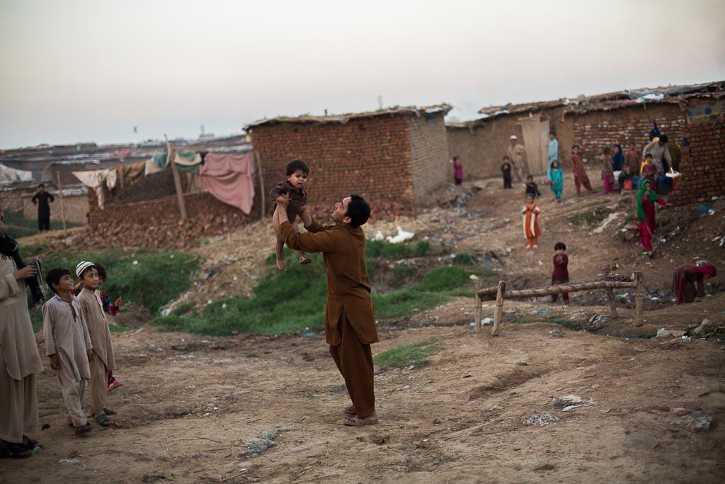 pakistan_afghan_basti_05